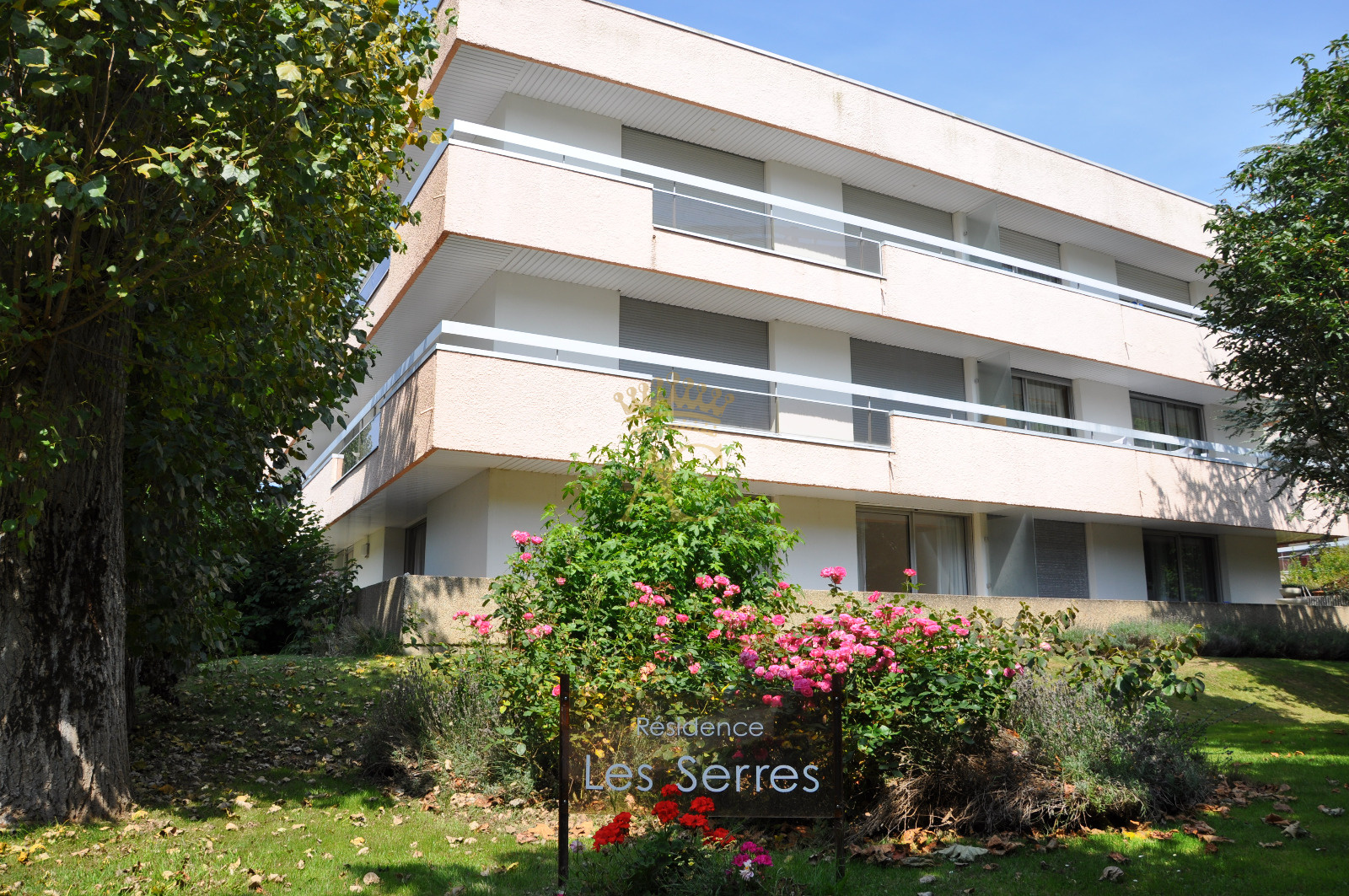 Vente appartement f3 dans le triangle d 39 or for F3 appartement
